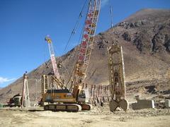 ポド村下流のダム建設現場