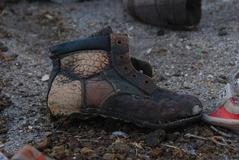 難民の子供の靴