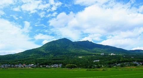200802_衣手常陸の国の二並ぶ筑波の山を.jpg