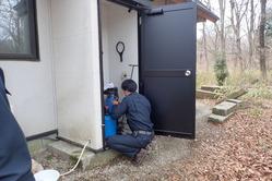 装置の活性炭フィルターを交換