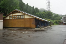 関谷酒造工房駐車場