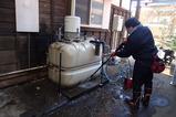 受水槽の清掃中2