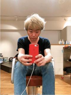 スピードワゴン小沢、新髪型が似合わなすぎて苦言相次ぐ「おじいさん?」