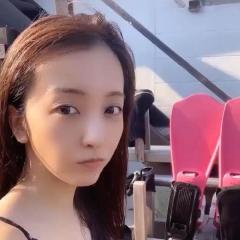板野友美、ダイビング初挑戦動画が大反響「セクシーすぎる」「違和感しかない」
