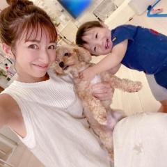 辻希美、炎天下での愛犬の散歩に批判殺到「犬の足の裏が心配」