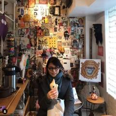 石田ゆり子、個性的なメガネをかけた姿に大反響「少年みたいに可愛い」