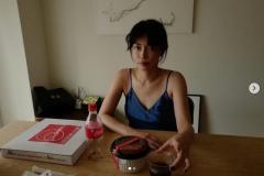 長谷川京子、セクシーすぎるキャミソール姿に大反響「絵になる美しさ」
