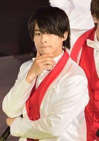 "King&Prince・平野紫耀、同い年の共演者と""親密な関係""に!? 「頻繁に電話」「2人でドライブ」にファン騒然"
