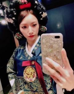 後藤真希、チマチョゴリ写真で韓国旅行を回顧 艶やかな姿に「豪華絢爛」「別人みたい」