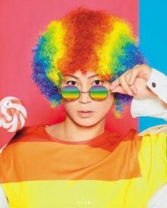 氷川きよし、強烈な色使いのアフロ髪が大反響「カラフルkiiちゃん可愛い」