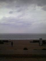 曇りの日本海