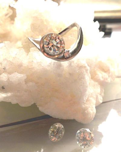 新月のダイヤモンドリング2