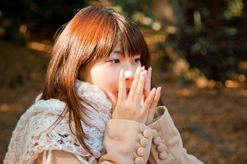 冷え性が辛い女性の写真