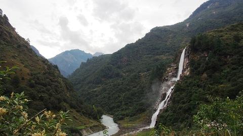ヌラングの滝