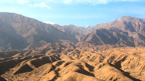 車窓 天山山脈6