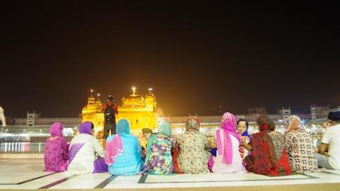 夜 寺院4