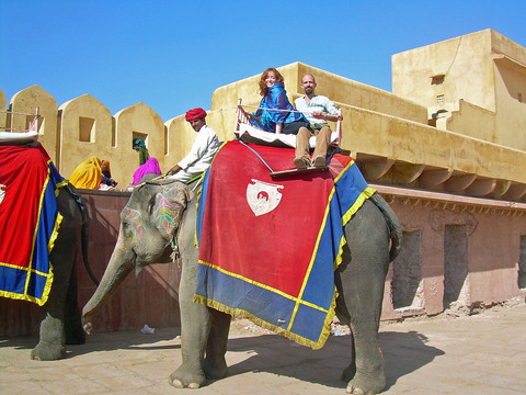 Elephant_Ride_at_Amber_Fort