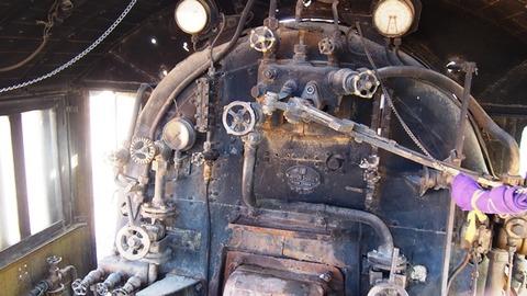 機関車内部