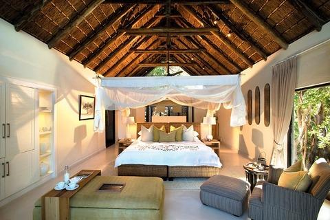 Lion_Sands_River_Lodge_Bedroom