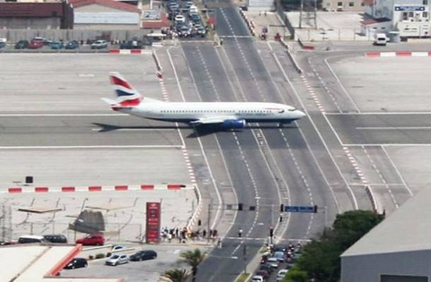 GIBRALTAR_INTERNATIONAL_AIRPORT_02