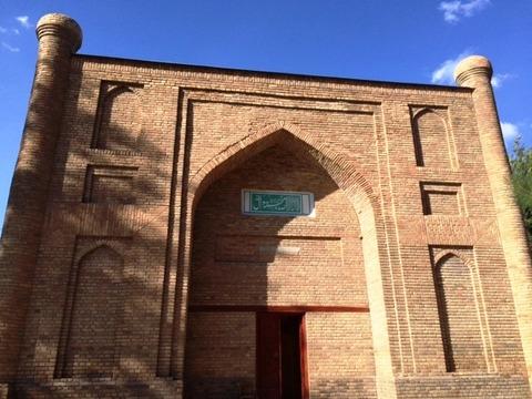 Mausoleum_01