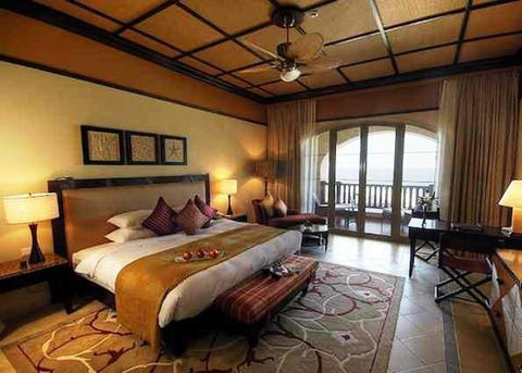 Desert_Island_Resort_Room