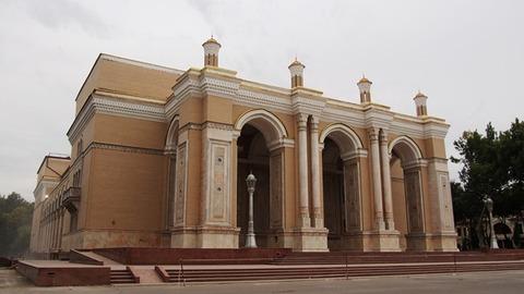 ナボイ・オペラ劇場