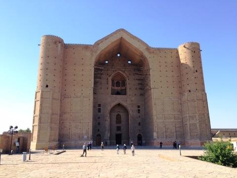 Mausoleum_02