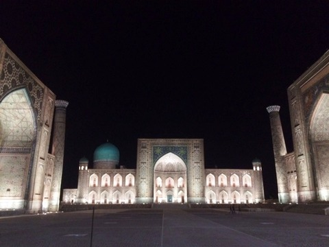 Registan_Square_Night_View_01
