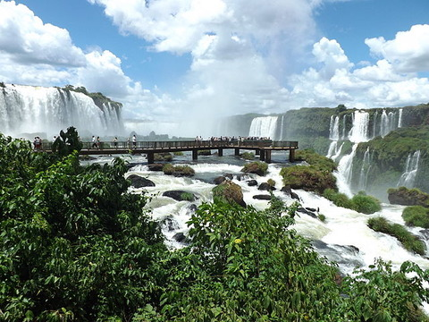 Iguacu_Falls_Brazilian_Side