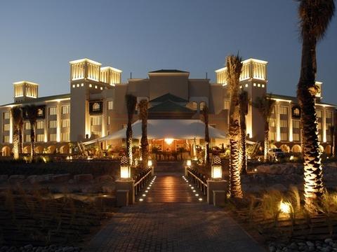 Desert_Island_Resort_exterior