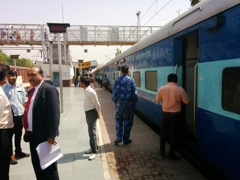 INDIA_RAILWAY_07