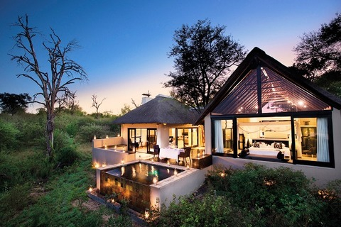 Lion_Sands_Ivory_Lodge_Outlooking