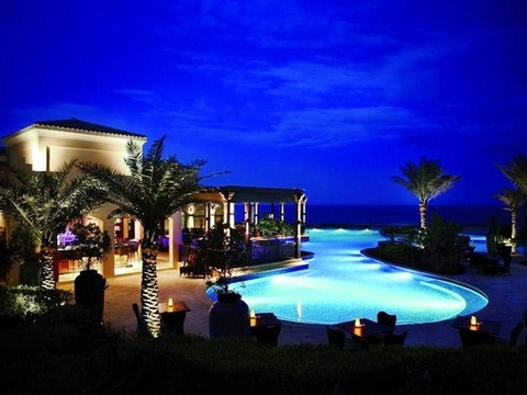Desert_Island_Resort_Night