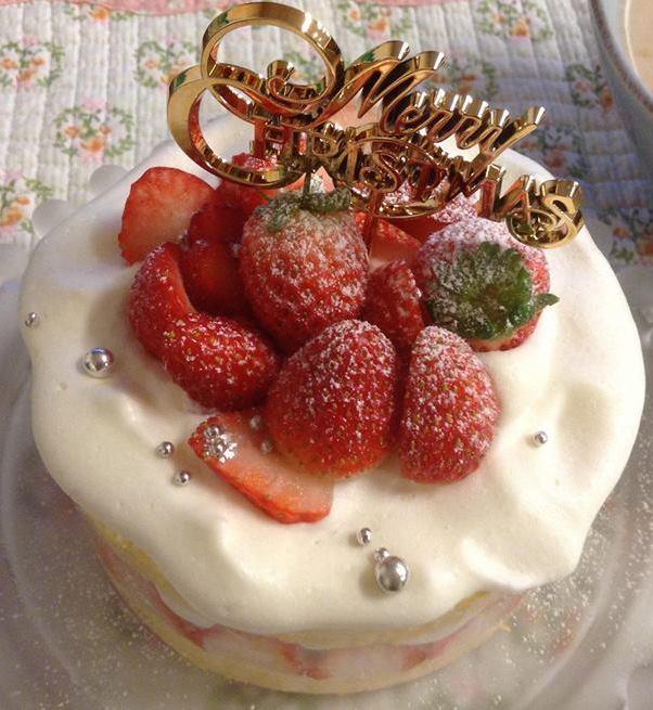簡単デコのクリスマスイチゴケーキ