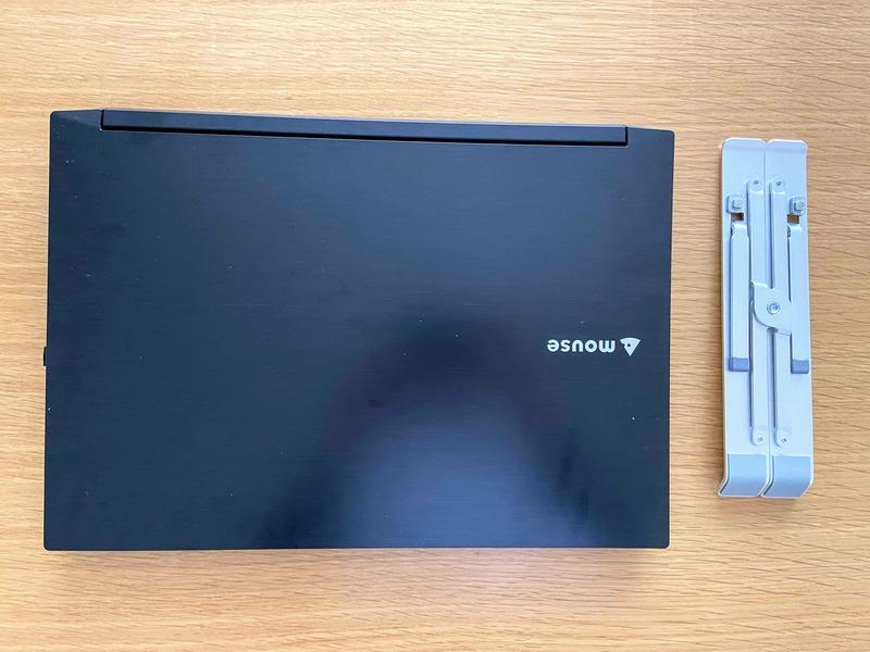 パソコンスタンドの大きさ