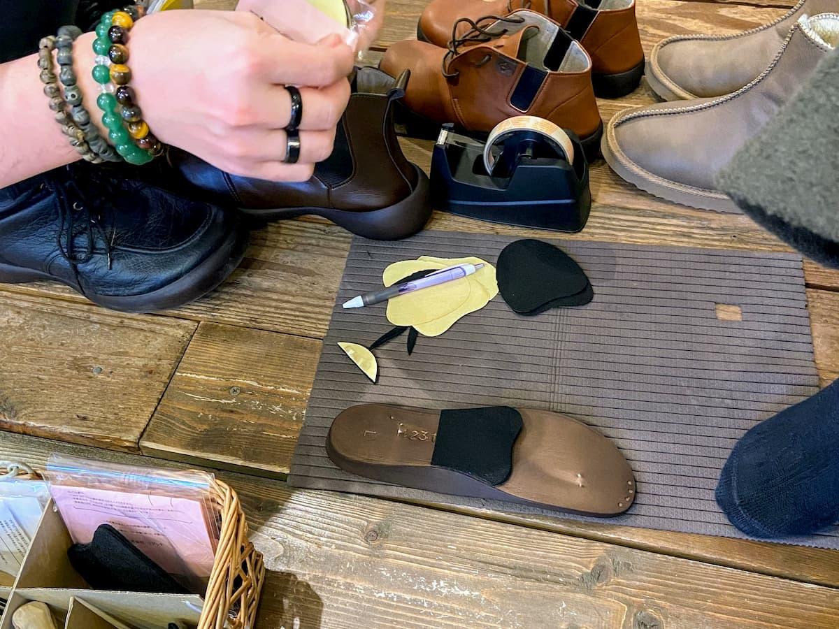 リゲッタカヌー自由が丘店で試し履き中