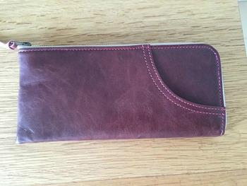 新品の長財布