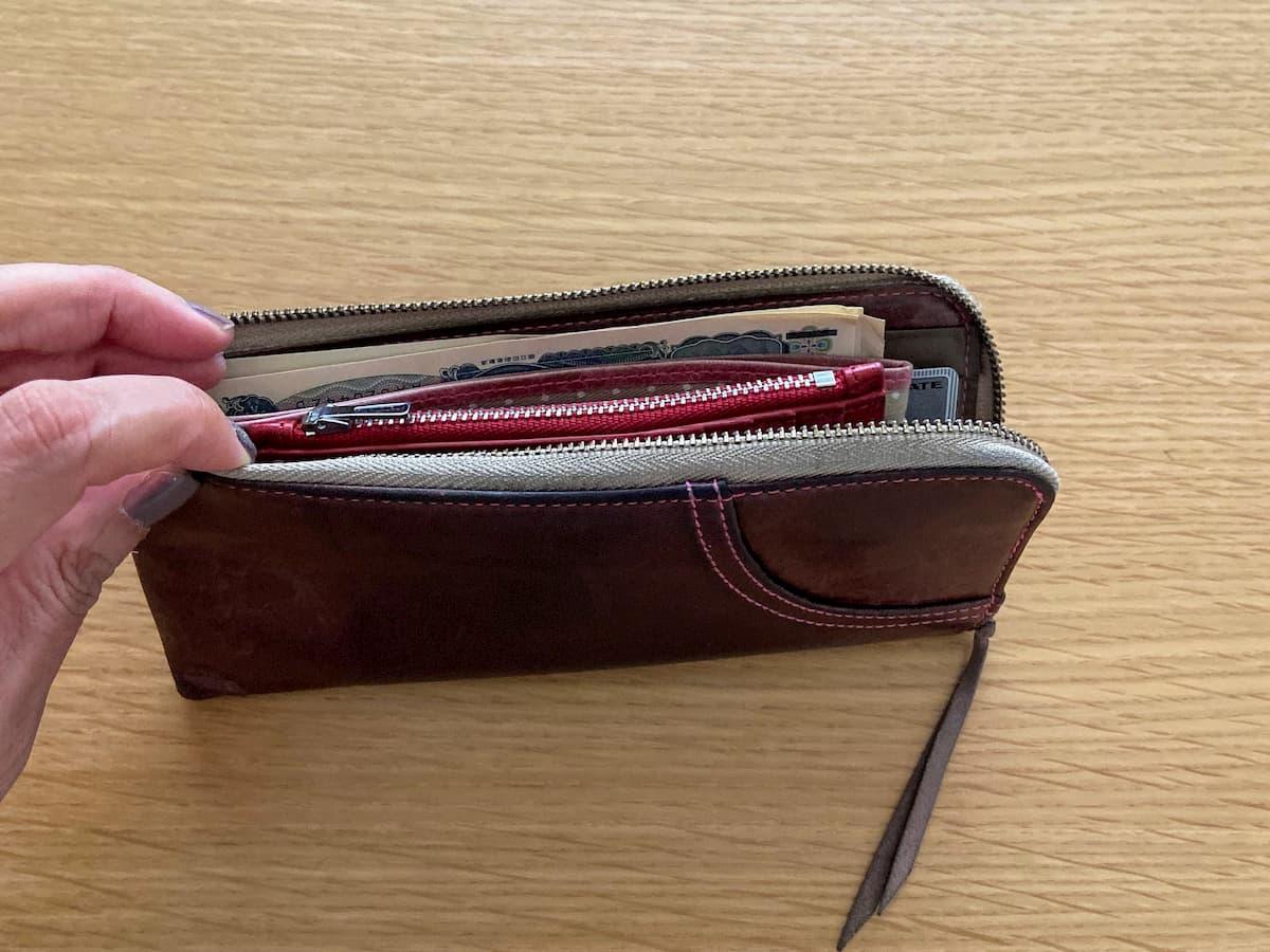 長財布にカードケースを入れる