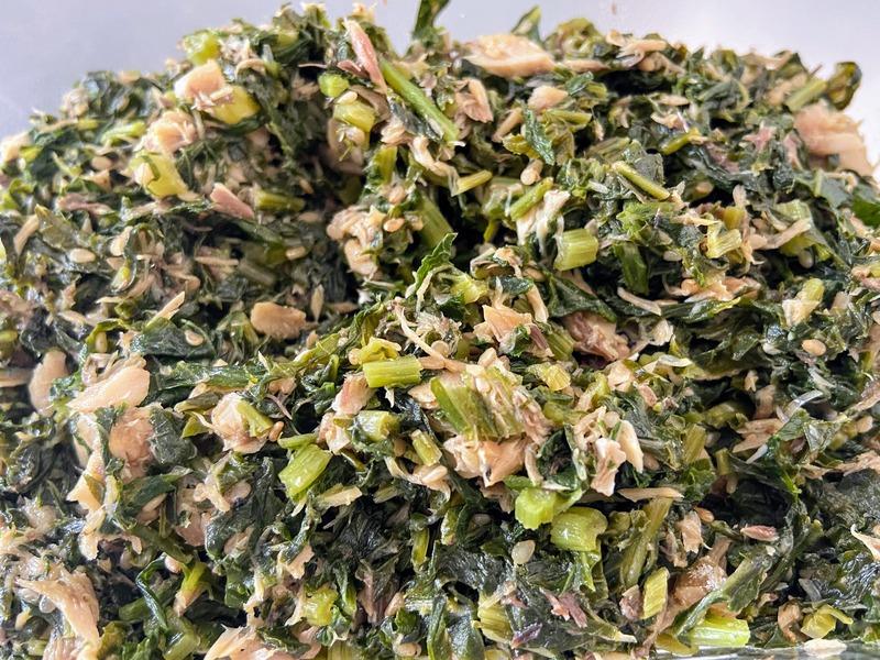 大根の葉と鯖缶を使った料理