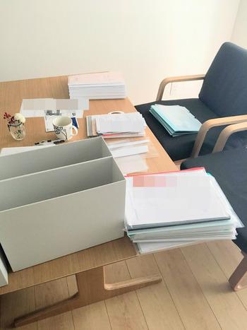 書類整理中