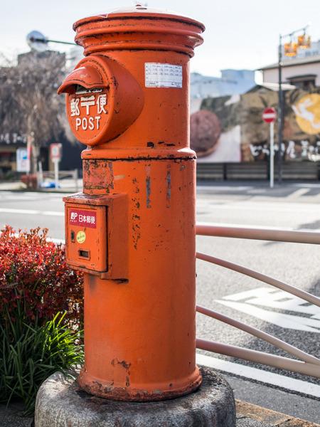 丸型郵便ポスト1