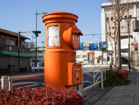 丸型郵便ポスト2