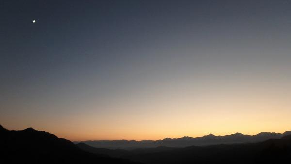 大望峠から望む北アルプスの夕景