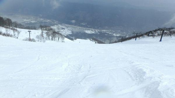 アルプス平ゲレンデは積雪充分!
