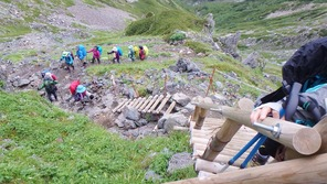 北岳南側の急登の階段