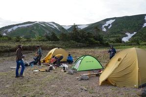 テント場は広々として見晴しが良い