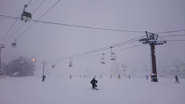 今日の栂池高原スキー場は視界が悪かった