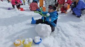 雪玉やお城を作りました♪