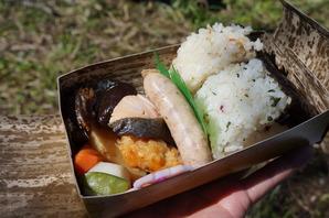 日本式のおにぎり弁当は好評